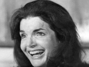 327156-jackie-kennedy-photo-non-datee